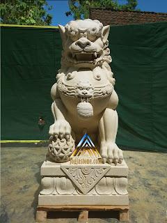 Patung samsi dari batu alam paras jogja, batu putih