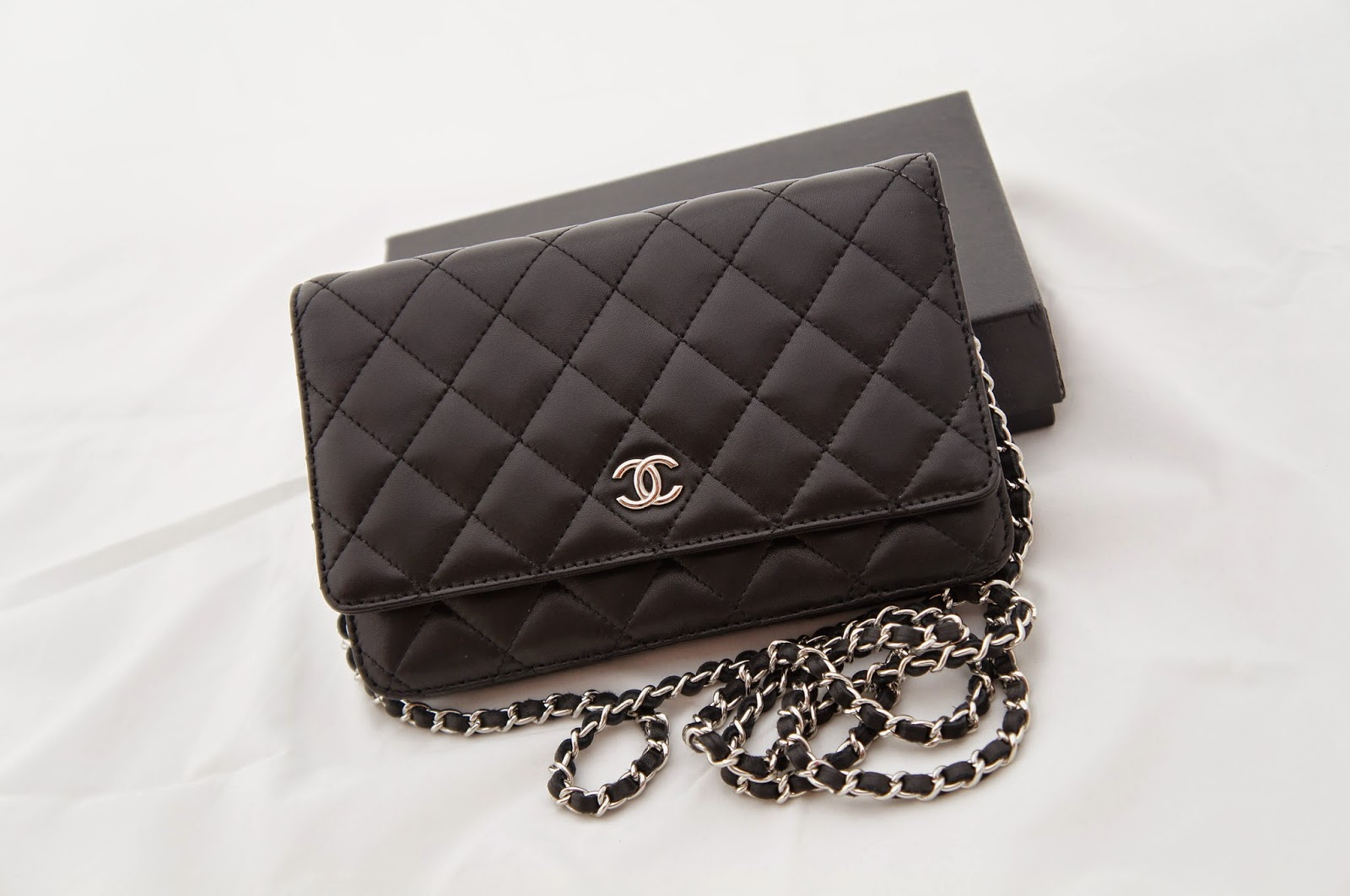 I Heart Pretty Bags  Pre-owned NA Chanel Wallet-on-Chain (WOC) in ... 4cb4ab183766c