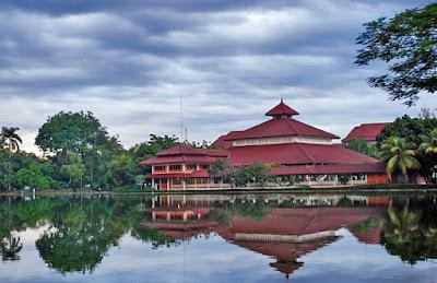 Kuliah di Fakultas Ilmu Pengetahuan Budaya Universitas Terbaik di Indonesia