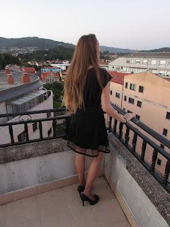 Falda negra con transparencias 3