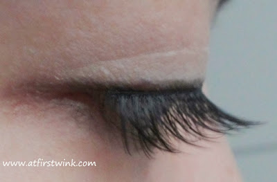 Etude House Natural eyelashes number 5 - eyes closed
