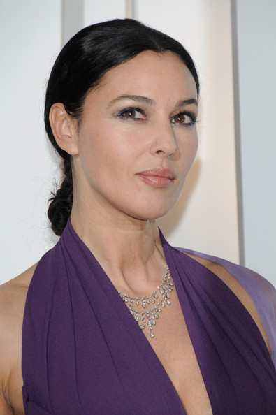 hot photos celebrity monica bellucci hairstyles. Black Bedroom Furniture Sets. Home Design Ideas
