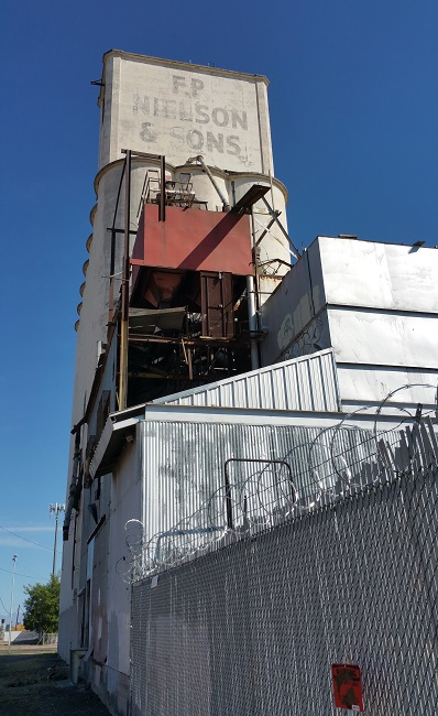 Urban Exploration of abandoned F.P. Nielson & Sons Grain Elevator in Mesa, Arizona