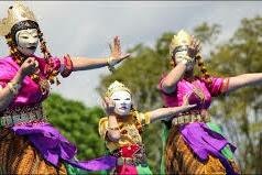 Daftar 20 Kesenian Tradisional Asal Kalimantan Timur, Indonesia