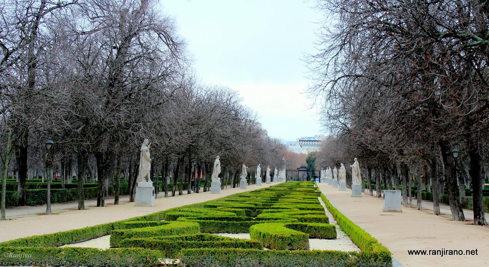 Balade au parc du retiro madrid paysages et fleurs for Centre de jardin