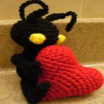http://ocdrobot.blogspot.com.es/2012/04/heartless-crochet-pattern.html