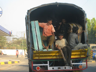 Road Safety In India - 10 Safe Driving And Road Safety Tips