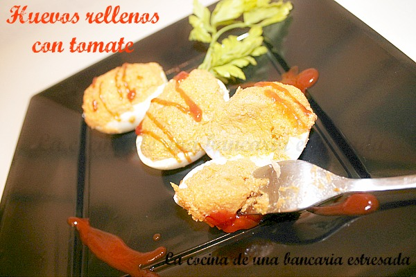 Receta de huevos rellenos con tomate, paso a paso y con fotografías