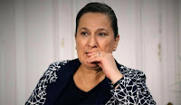 Biodata Sacide Tasaner pemeran Neriman