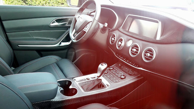 Flagra: Novo JAC Motors S7 sem camuflagem