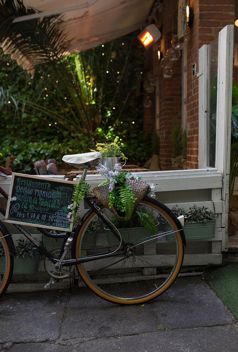 donde-monica-madrid-bicicleta-terraza