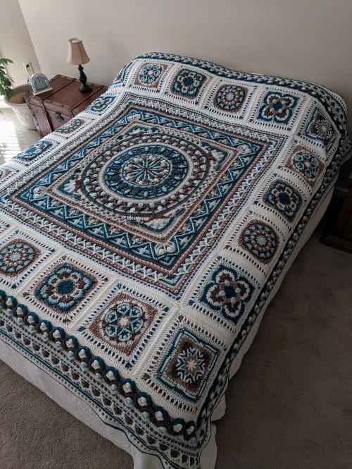 Sophie loves Lilla Bjorn Winter Blanket - Free Crochet Pattern