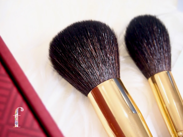 Lamic x Bubah Alfian makeup limited brush set. A very affordable set with a high quality brushes that are often used by Bubah himself, perfectly crafted for beginners and professionals in makeup industry, together with a soft yet dense bristles that picks up products and spread them smoothly without fall out to give a good color pay off on the skin.