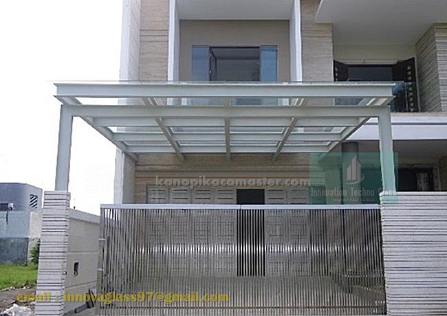 Carport Menawan Dengan Kanopi Atap Kaca