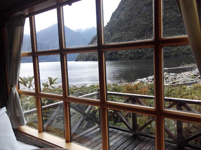 Cabañas en Caleta Gonzalo, Parque Pumalín, Chile