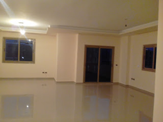 شقة للايجار بالبنفسج فيلات التجمع الاول امام الواتر واى القاهرة الجديدة 200 متر هاى سوبر لوكس