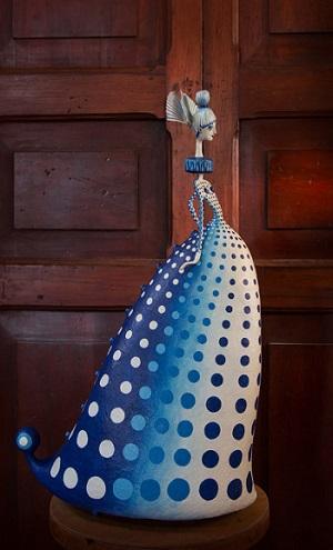 Blue Kusama III por Gustavo Ramírez Cruz | imagenes de obras de arte contemporaneo bonitas, esculturas chidas, cosas lindas, papel mache muñecas, cool stuff, art pictures