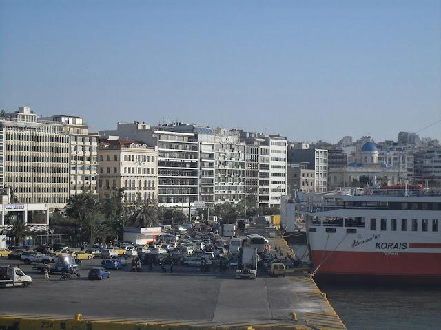 el puerto del Pireo Atenas