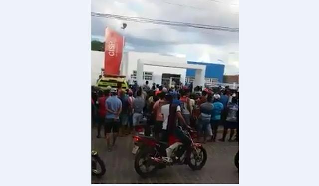 População de Pão de Açúcar/AL, aplaude ação rápida da polícia após assalto em   loja de celulares