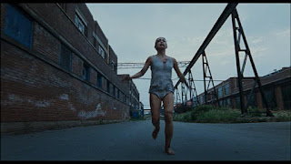 Opening scene of girl running in Martyrs (2008)
