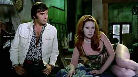 Helga Liné y Tony Kendall en Las Garras de Lorelei una película de Amando de Ossorio