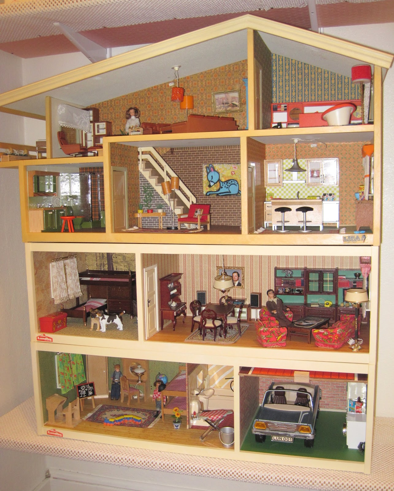 good garage sale ideas - Vintage Lundby Update Houses in their new home