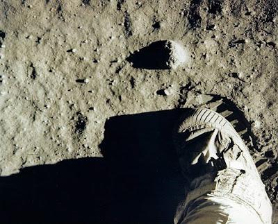 Είναι απάτη η κατάκτηση της Σελήνης; 2