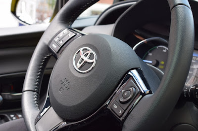 "Smart trick-Toyota makes a ""perfume dispenser"" to protect cars from theft."