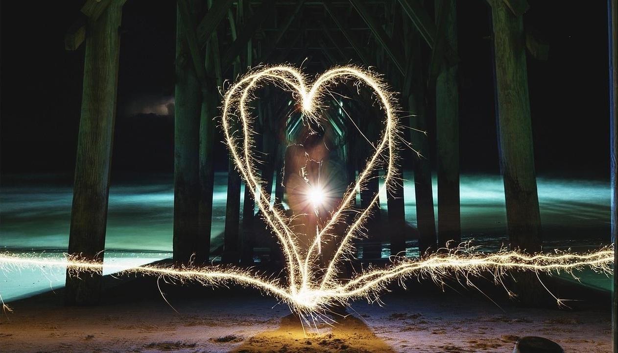 Light painting dengan kembang api