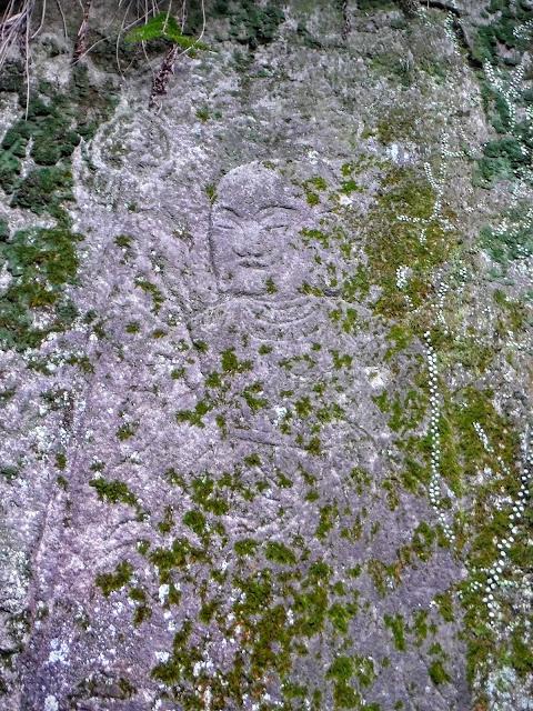 清の滝石仏群