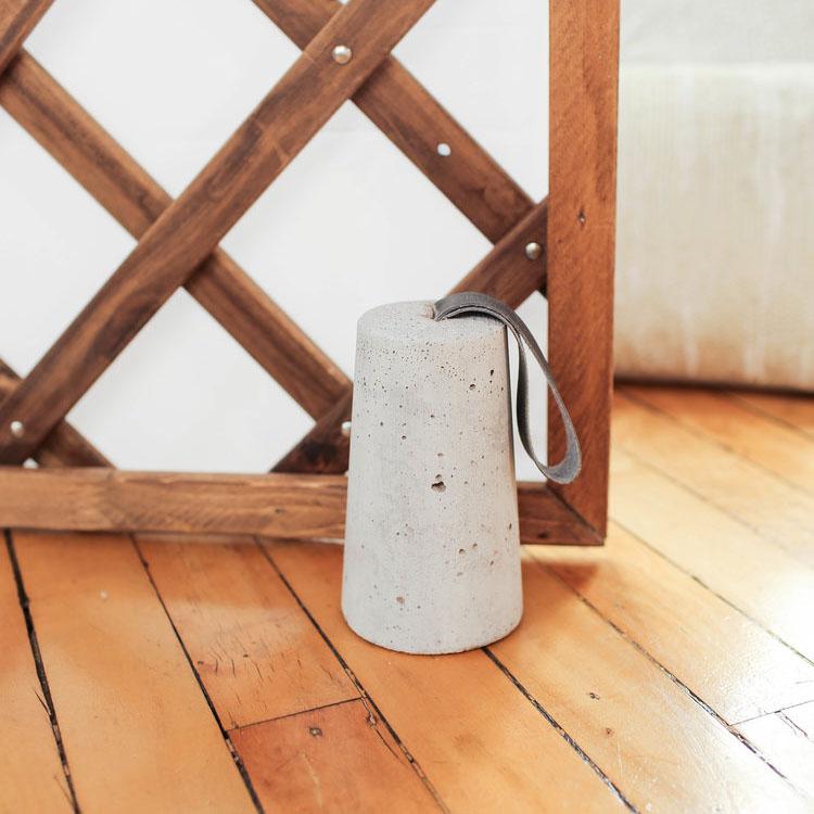 DIY: Sujeta puertas fácil de cemento