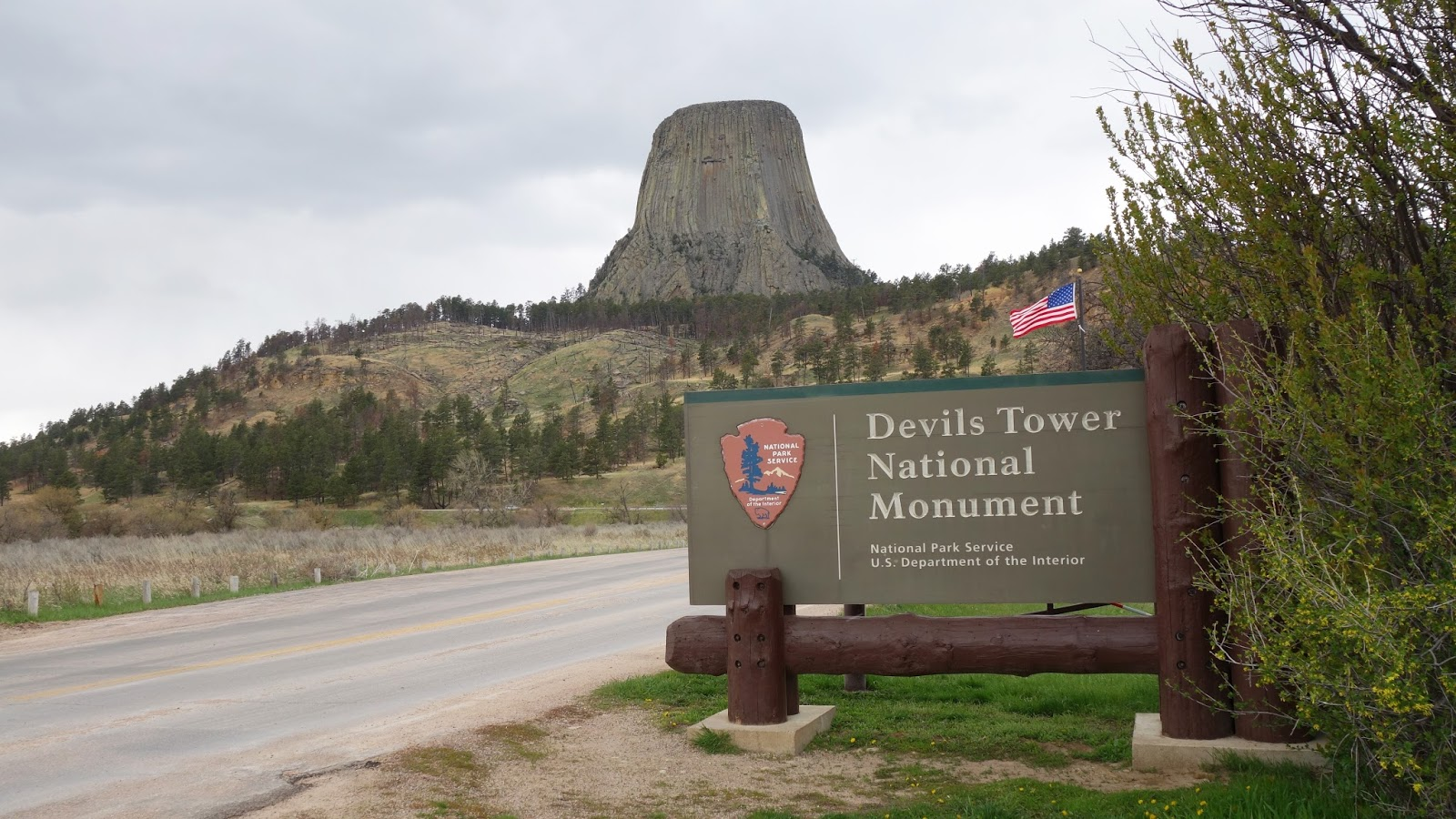 Yellowstone Park Devil's Tower Monument