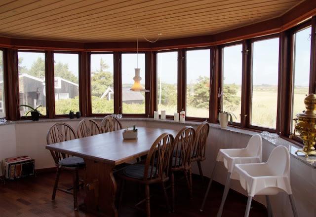 Ferienhaus-Urlaub mit Abwechslung: Ein Ferienhaus mit Aussicht und eins in der Idylle. Super Aussicht auch vom Esszimmer aus!