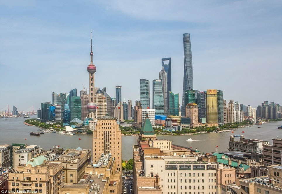 Shanghai - 8 Then-And-Now Photos Show How Much Famous Cities Have Changed.
