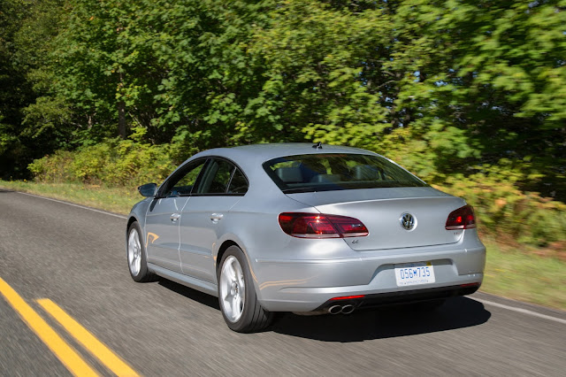 Rear 3/4 view of 2017 Volkswagen CC Sport