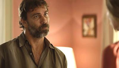 Bom Sucesso - Elias chantageia Paloma e pede dinheiro para salvar a vida de Gabriela