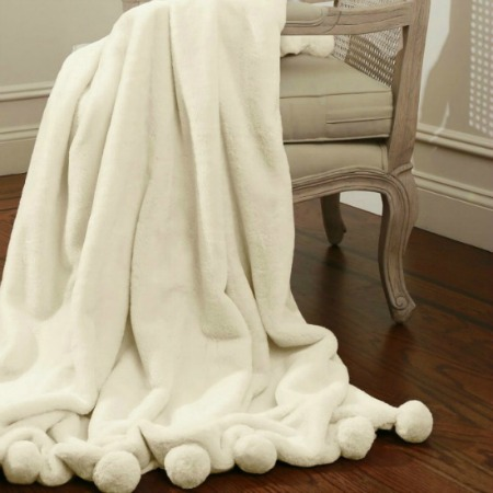 farmhouse white pom pom throw