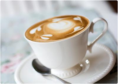 Café (Entre Sombras de Colores)
