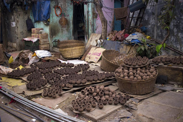pots, drying, kumbharwada, dharavi, mumbai, india, street, our world tuesday,