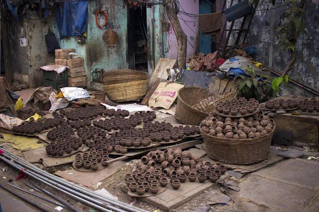pots, drying, kumbharwada, dharavi, mumbai, india, street, our world tuesday,