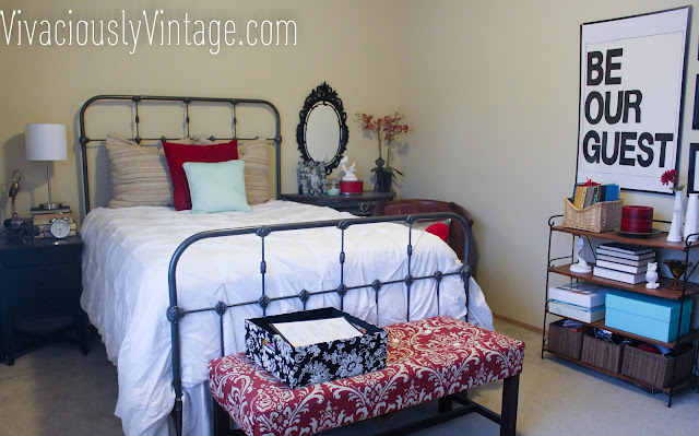Vintage, Country Guest Room. Bedroom, red, damask.