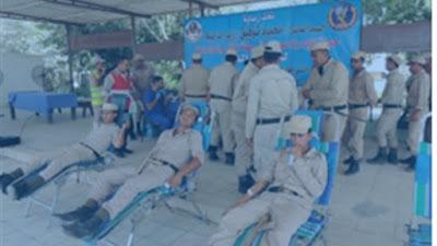 رجال الشرطة يتبرعون بدمائهم لجمعية الهلال الأحمر