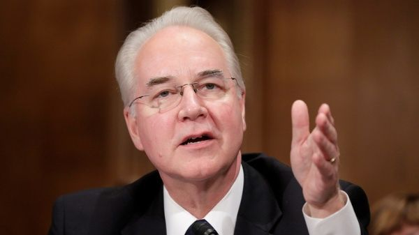 Renuncia el secretario de Salud y servicios humanos de EE.UU.