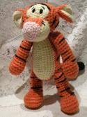 http://carisa82.blogspot.com.es/2011/05/patron-amigurumi-tigger.html