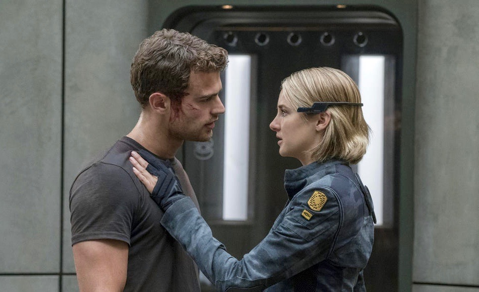 Dc Outlook The Divergent Series Allegiant Movie Review