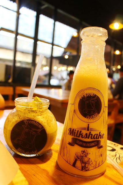 minuman susu di momo milk barn