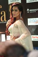 Prajna Actress in bhackless Cream Choli and transparent saree at IIFA Utsavam Awards 2017 014.JPG