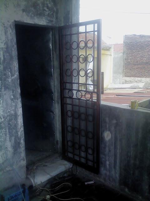 Pintu-Besi