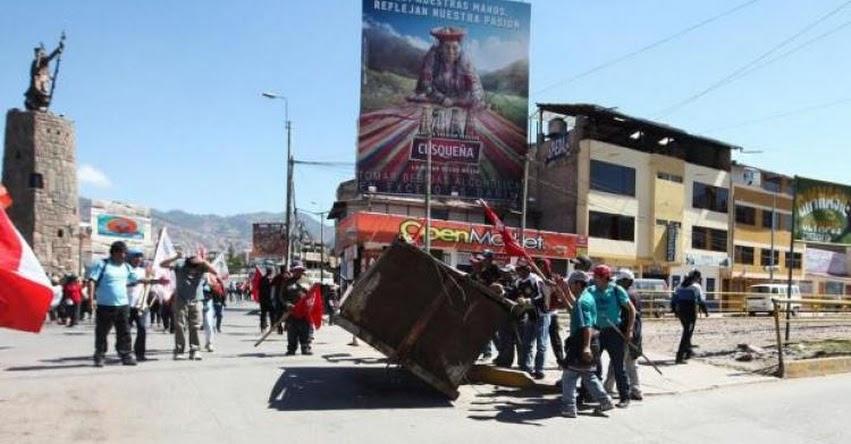 Mayoría de maestros de Cusco, Apurímac, Puno y Madre de Dios acata huelga, informó el MINEDU