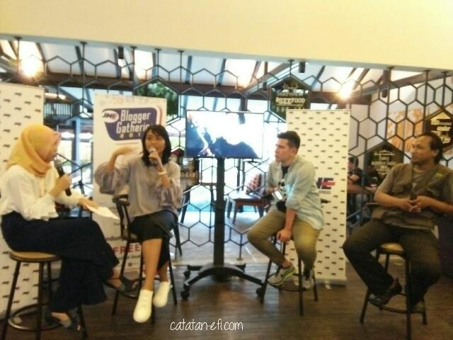 Blogging vs Vlogging Pilih Mana?